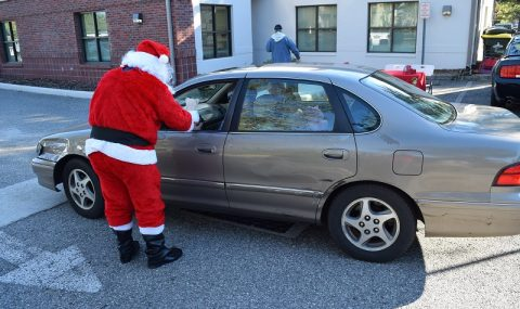 Santa Arrives Early in Clermont
