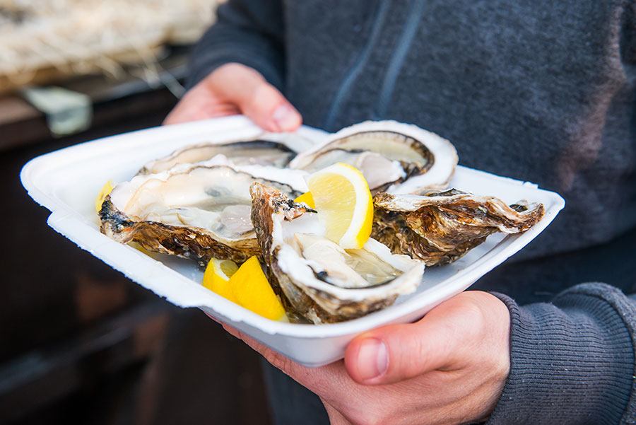 plate-of-oysters