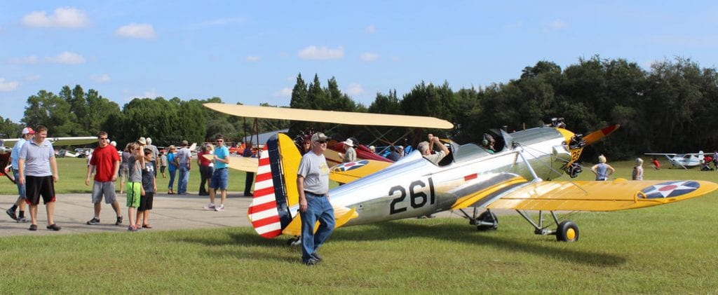 visitors-planes-osborn-airfield-fly-in