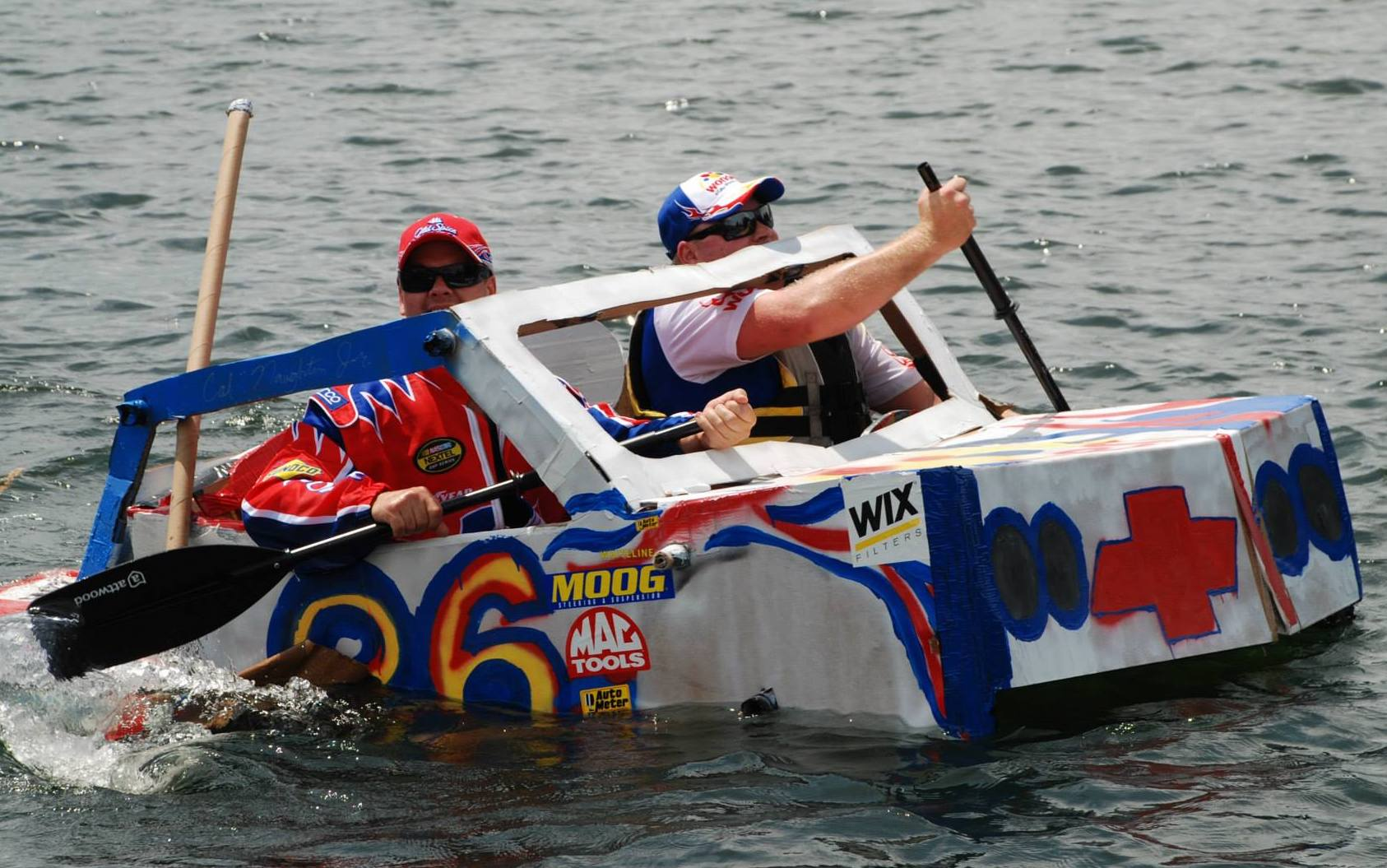 cardboard-boat-race-clermont