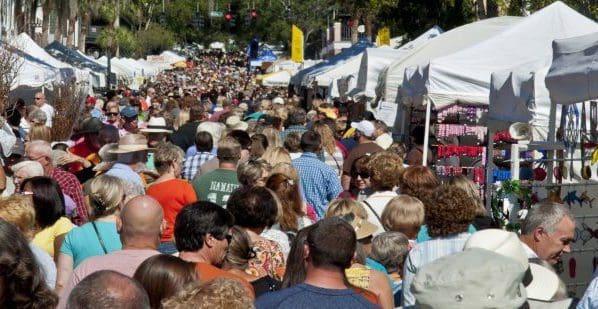 crowded-streets-mount-dora-craft-fair