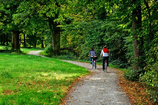 cyclists-on-bike-path