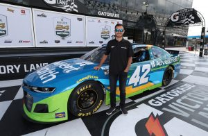 kyle-larson-adventhealth-race-car