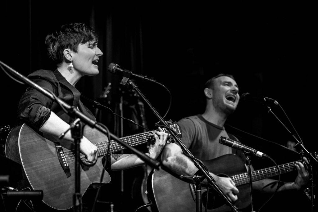 whispering-tree-folk-rock-band-singing